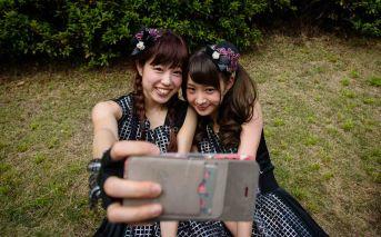 P.IDL members taking a selfie.