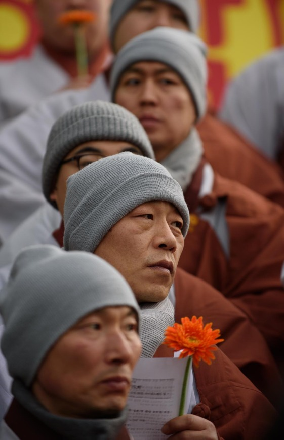 Buddhist monks protest in seoul